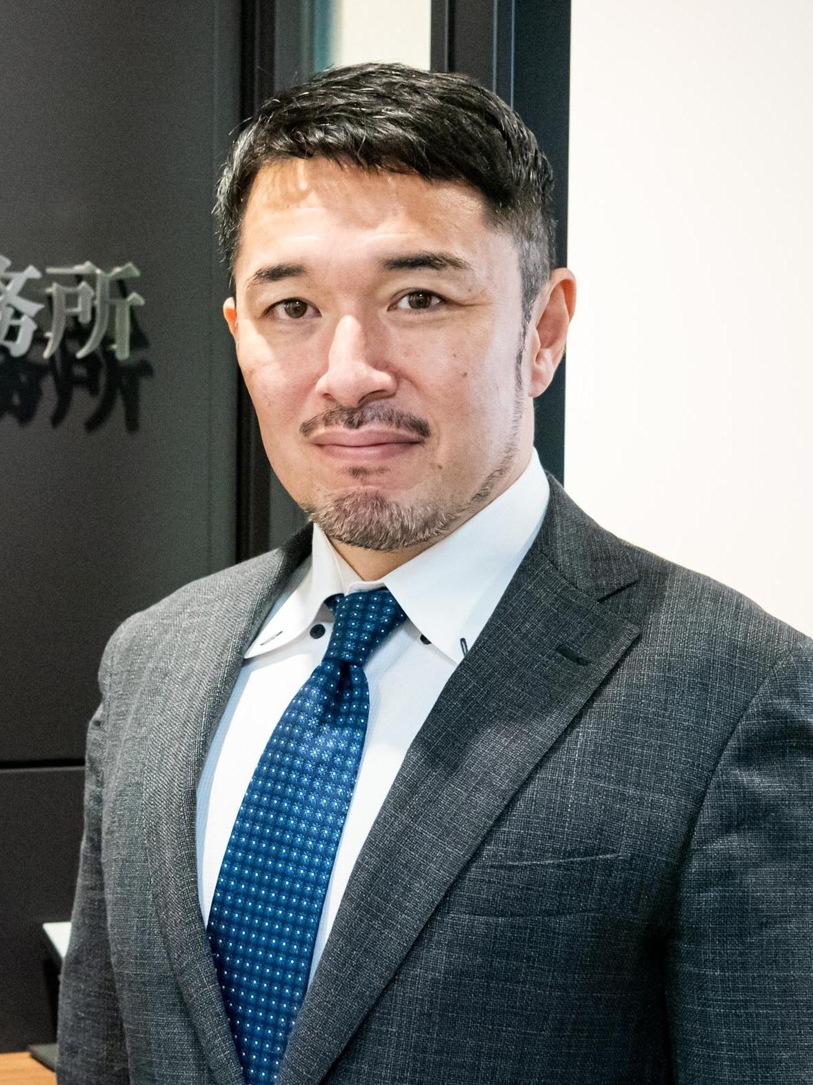 秋山 亘弁護士