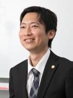 富永 慎太朗弁護士