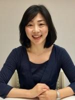 新名 由美子