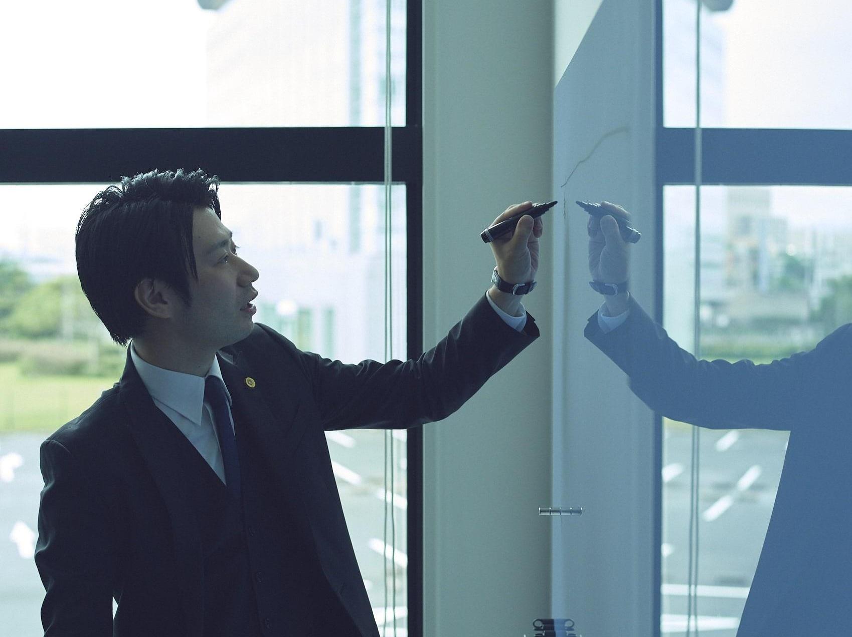 小杉 晴洋弁護士