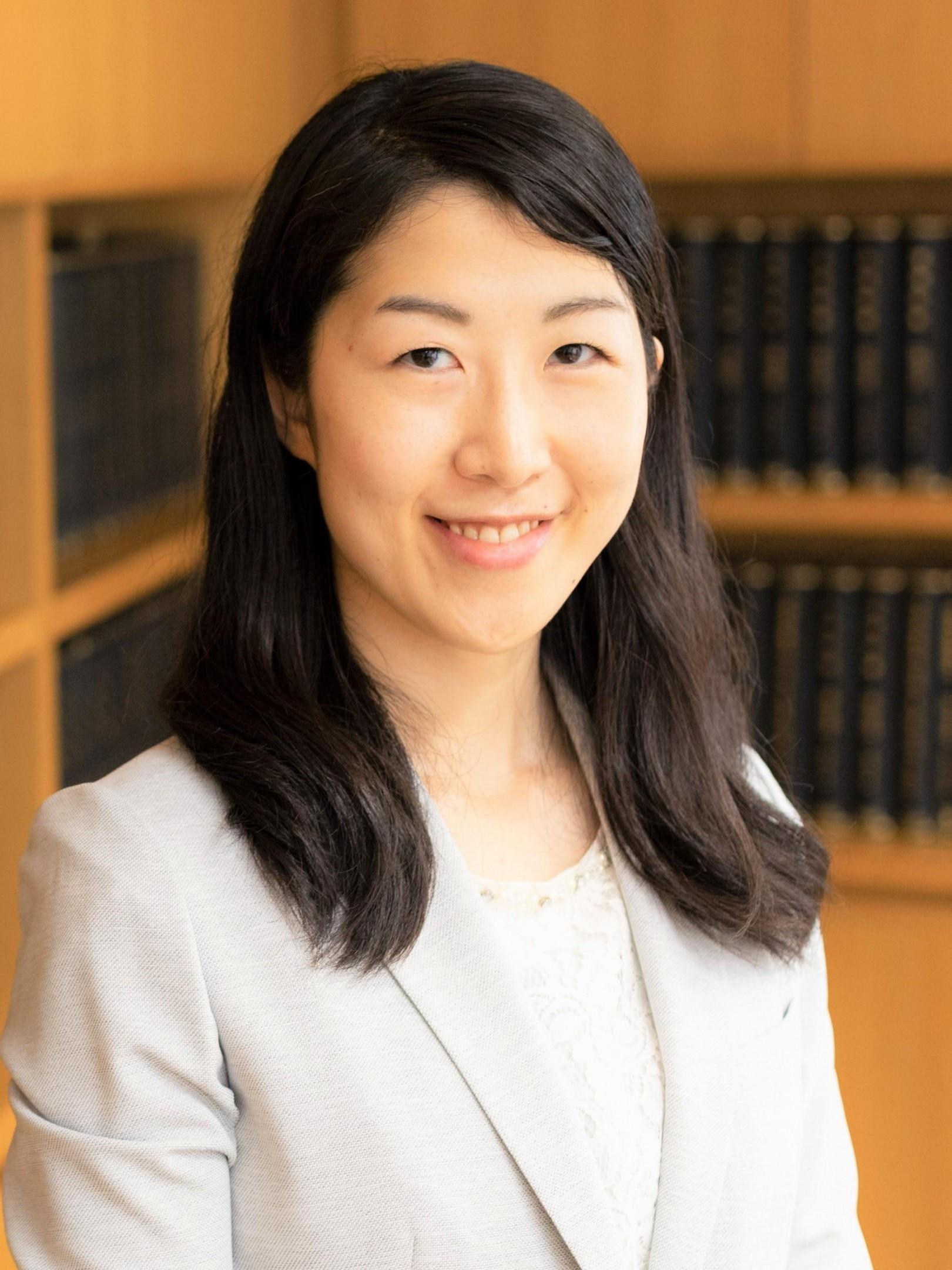 岡崎 槙子弁護士