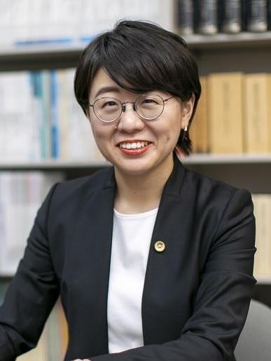 吉田 明恵弁護士