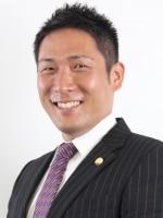 井阪 康博弁護士
