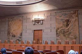 重大事件の判決の法廷で「主文を後回し」にする意味とは?