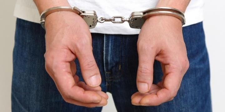 警察署に「遺体」持ち込んだ男性逮捕、なぜ「死体遺棄」容疑なのか?