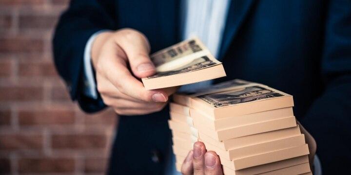 親から突然渡された「数百万円」の札束、こっそり使えば贈与税から逃れられる?