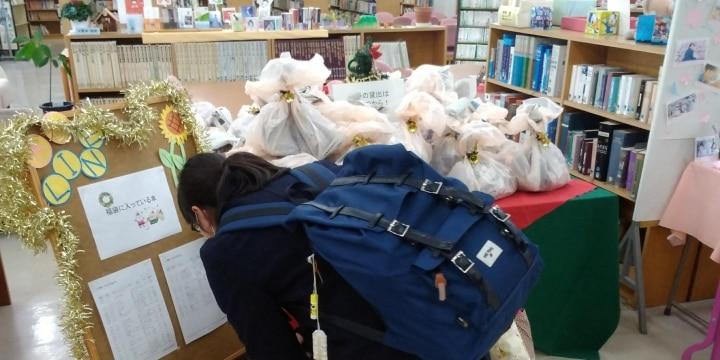 「漱石ありますか」と学校図書館へ来た生徒に、学校司書が違う本を勧める理由
