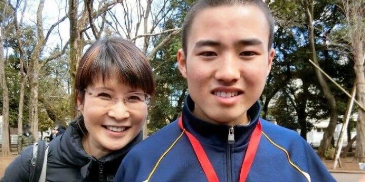 発達障害の息子と教育者の母、17年の葛藤 「普通」からドロップアウトしても幸せはつかめる